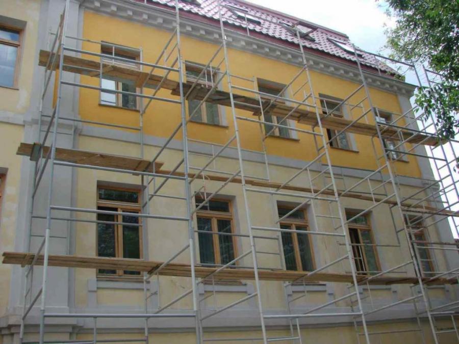 За чей счет ремонт фасада здания