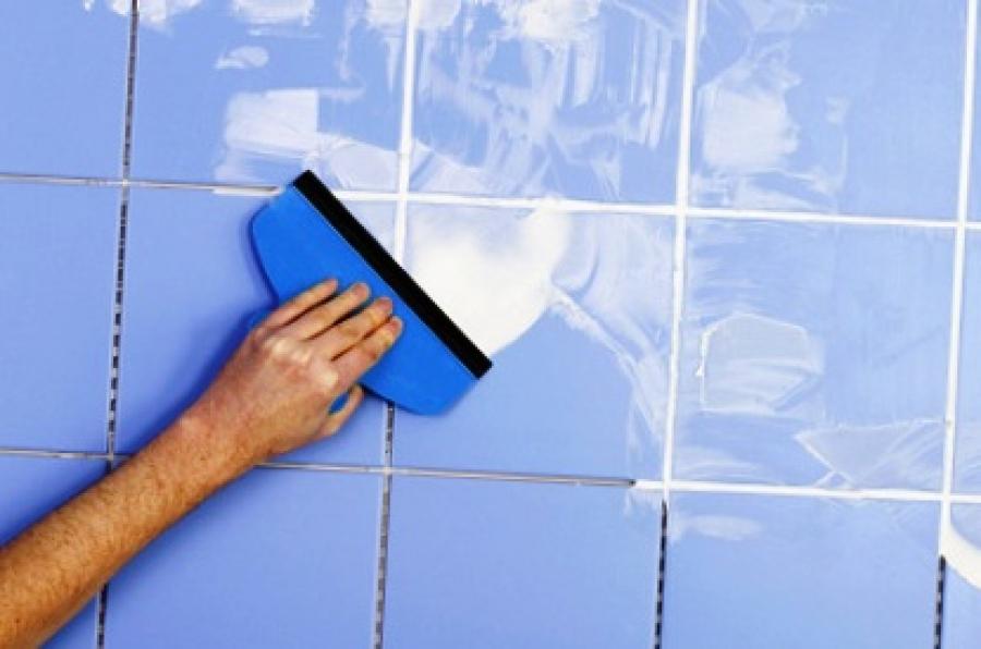 Затирка швов мозаики в ванной своими руками 51