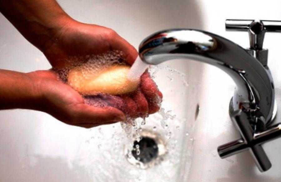 Чем в домашних условиях отмыть руки от краски для волос