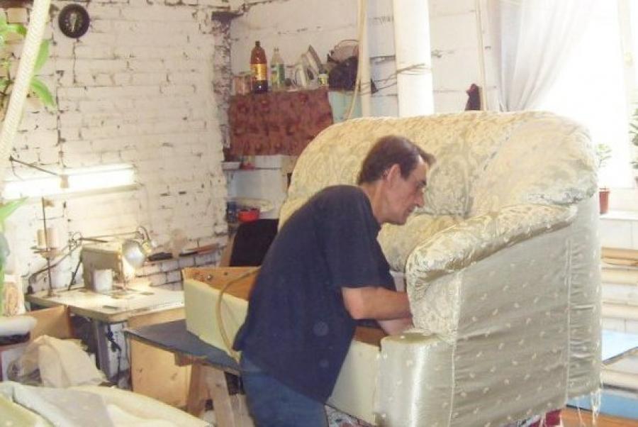 324Как перетягивать мебель в домашних условиях